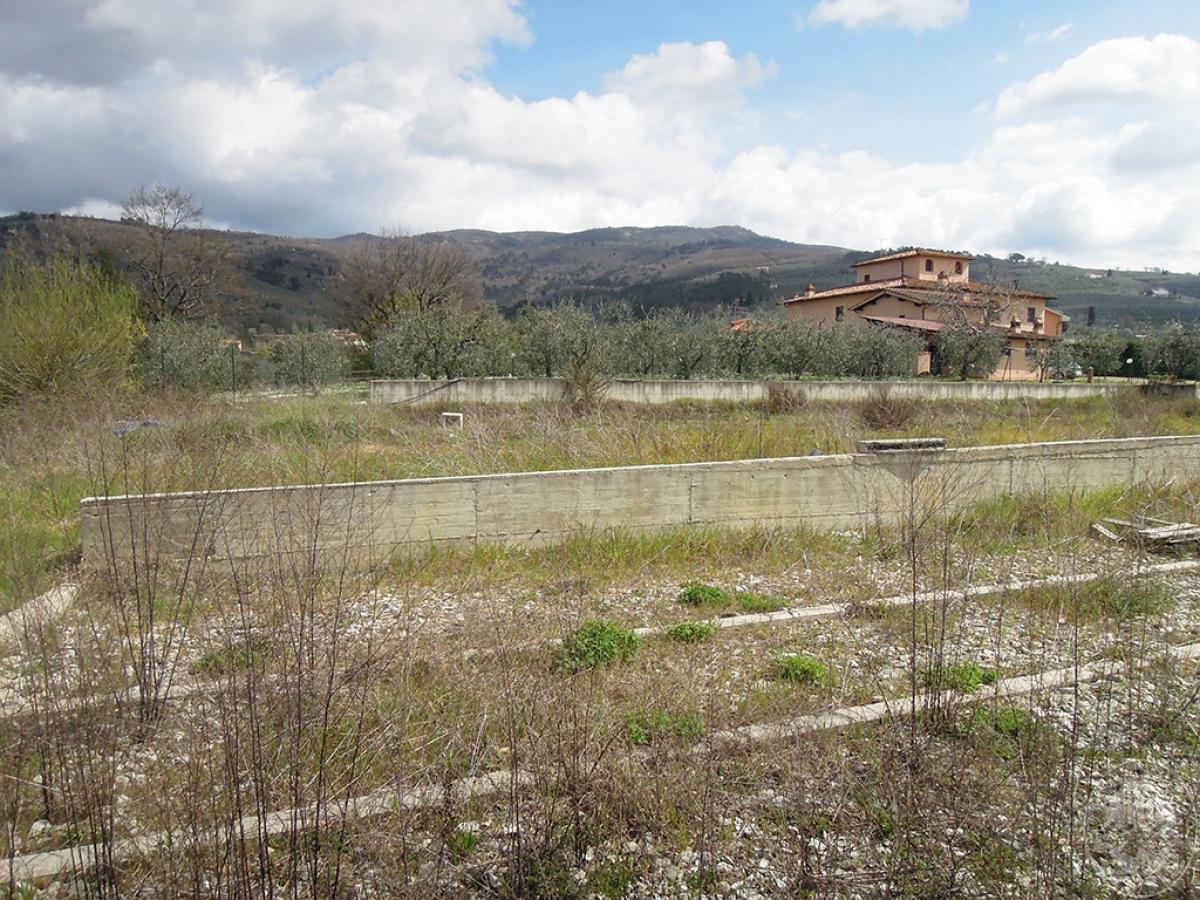 Terreno edificabile a TERRANUOVA BRACCIOLINI in loc. Piantravigne 17