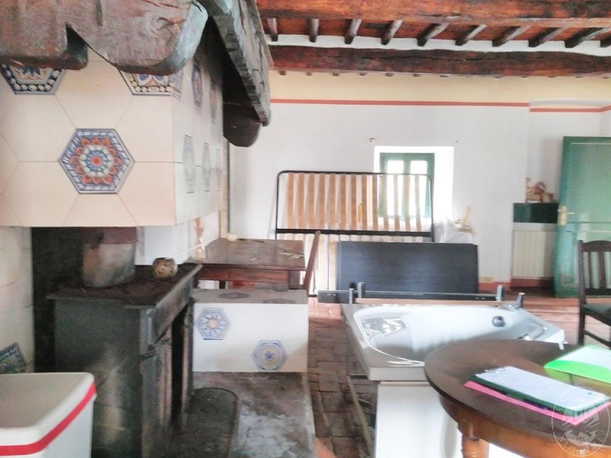 Casolare in GAIOLE IN CHIANTI in loc. Cavarchione 12