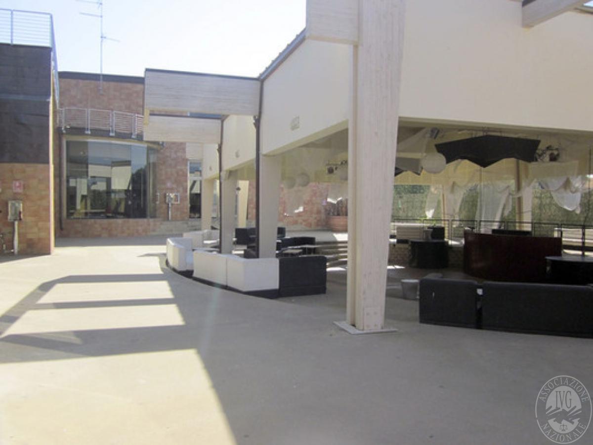 Sala spettacoli, negozio, ristorante a CASTELNUOVO BERARDENGA in loc. Casetta