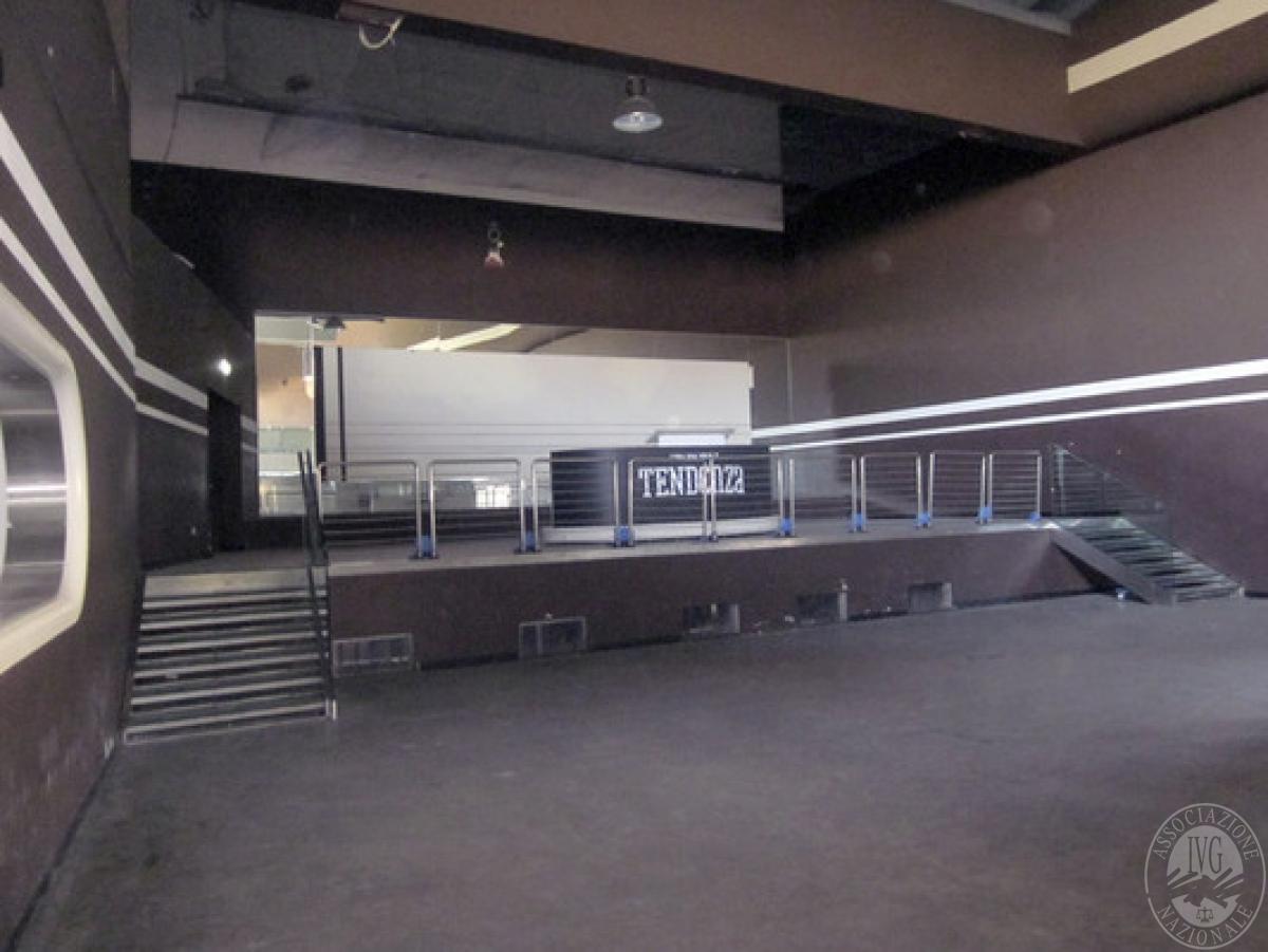 Sala spettacoli, negozio, ristorante a CASTELNUOVO BERARDENGA in loc. Casetta 0