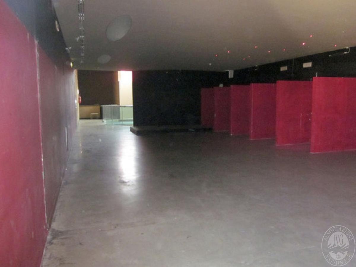 Sala spettacoli, negozio, ristorante a CASTELNUOVO BERARDENGA in loc. Casetta 4