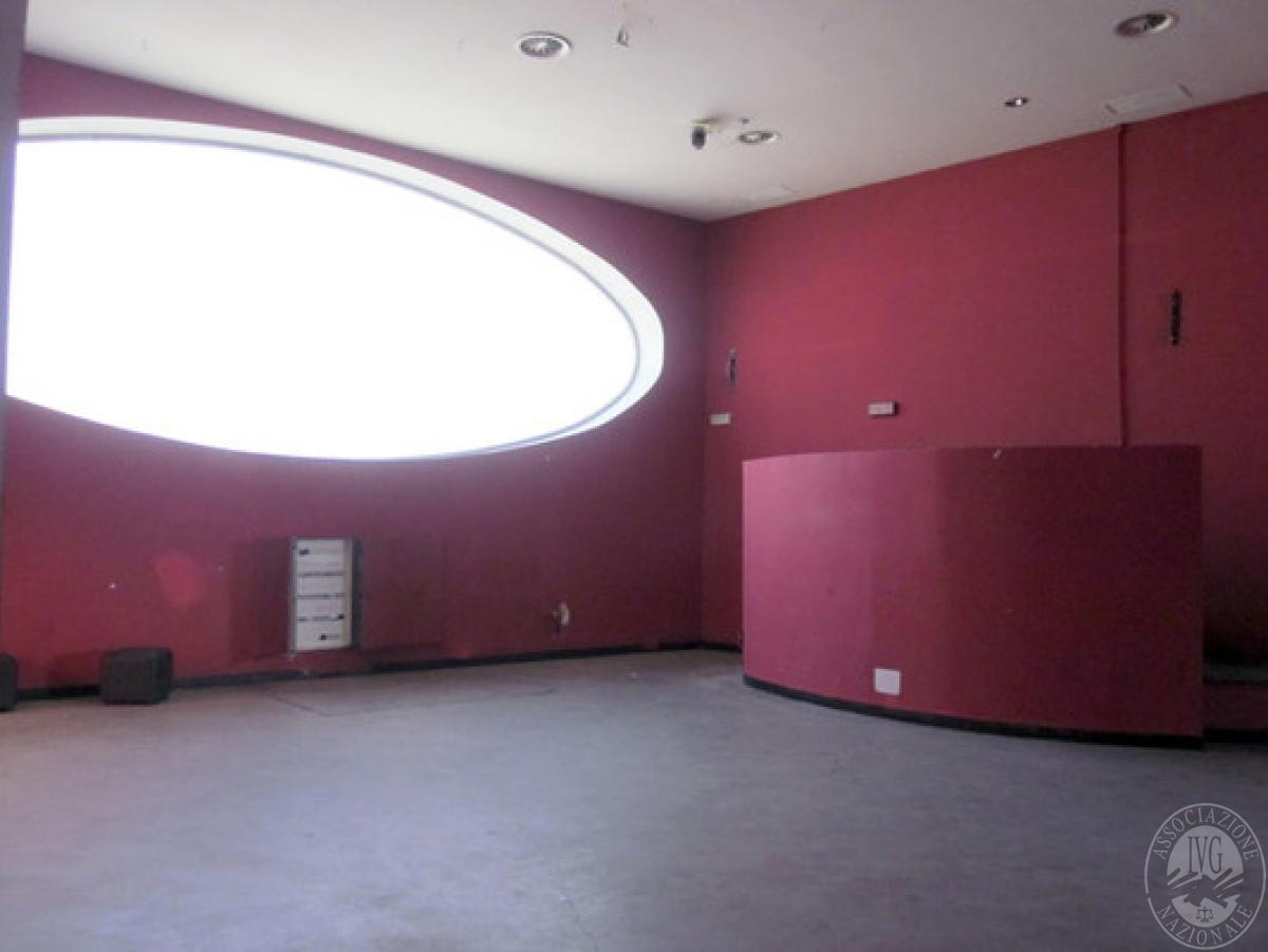 Sala spettacoli, negozio, ristorante a CASTELNUOVO BERARDENGA in loc. Casetta 6