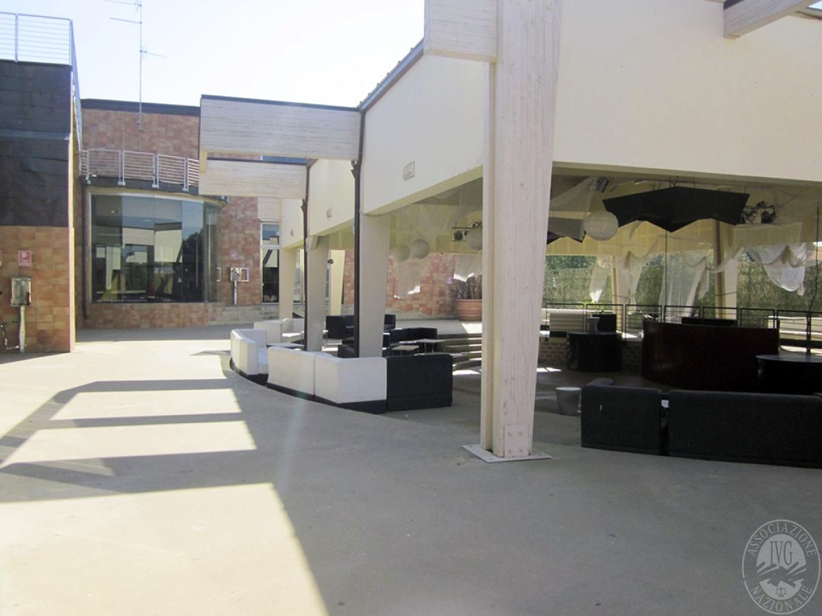 Sala spettacoli, negozio, ristorante a CASTELNUOVO BERARDENGA in loc. Casetta 9