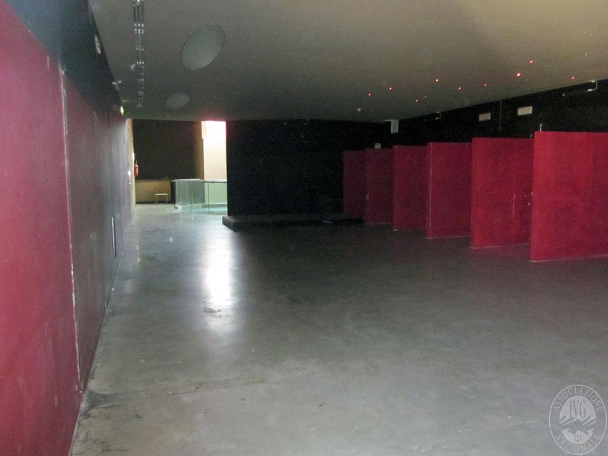 Sala spettacoli, negozio, ristorante a CASTELNUOVO BERARDENGA in loc. Casetta 15
