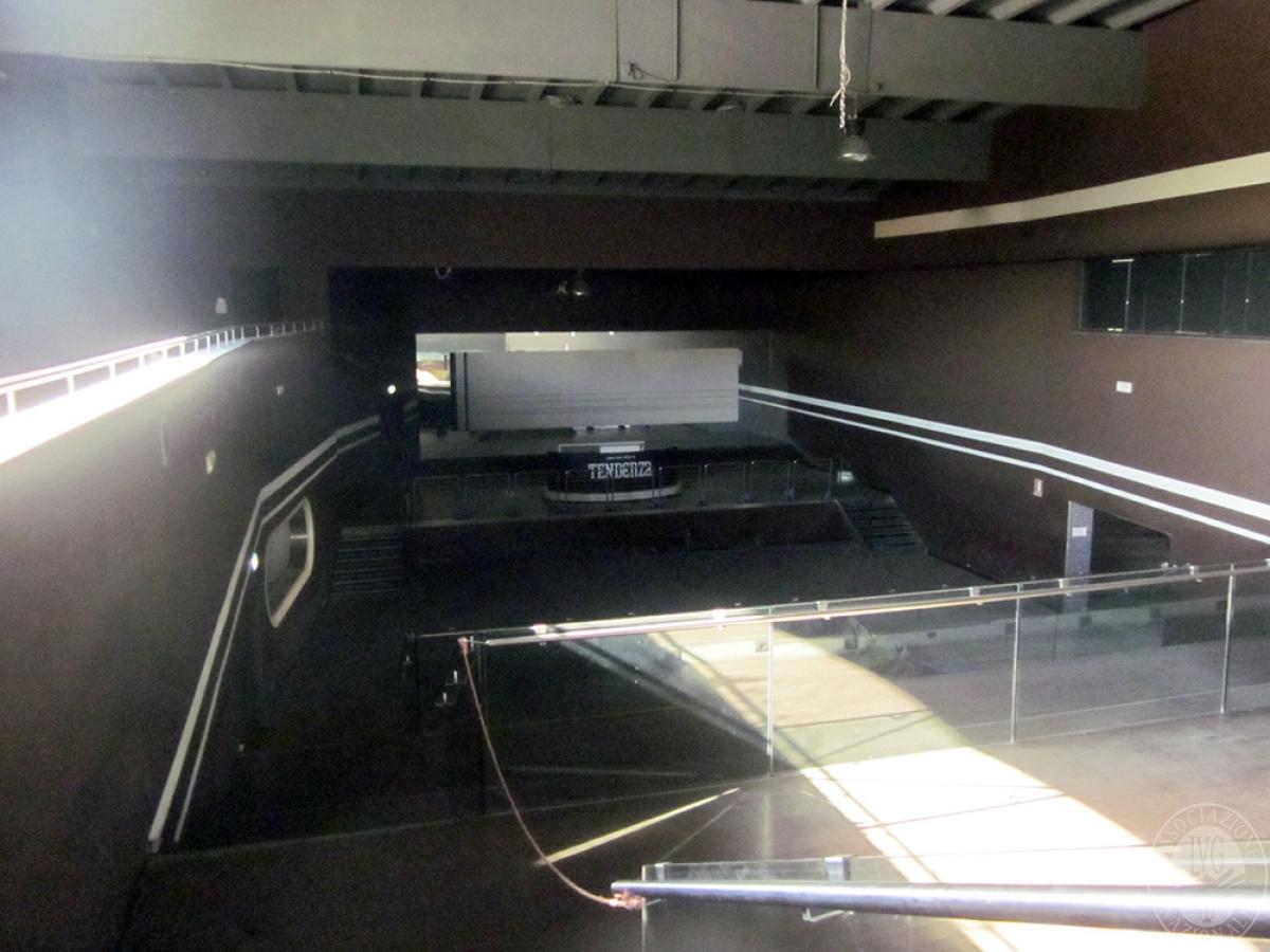 Sala spettacoli, negozio, ristorante a CASTELNUOVO BERARDENGA in loc. Casetta 19