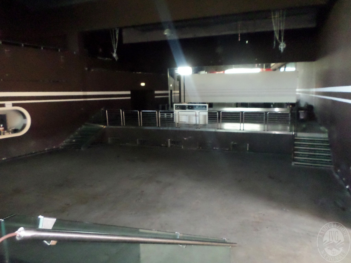 Sala spettacoli, negozio, ristorante a CASTELNUOVO BERARDENGA in loc. Casetta 21
