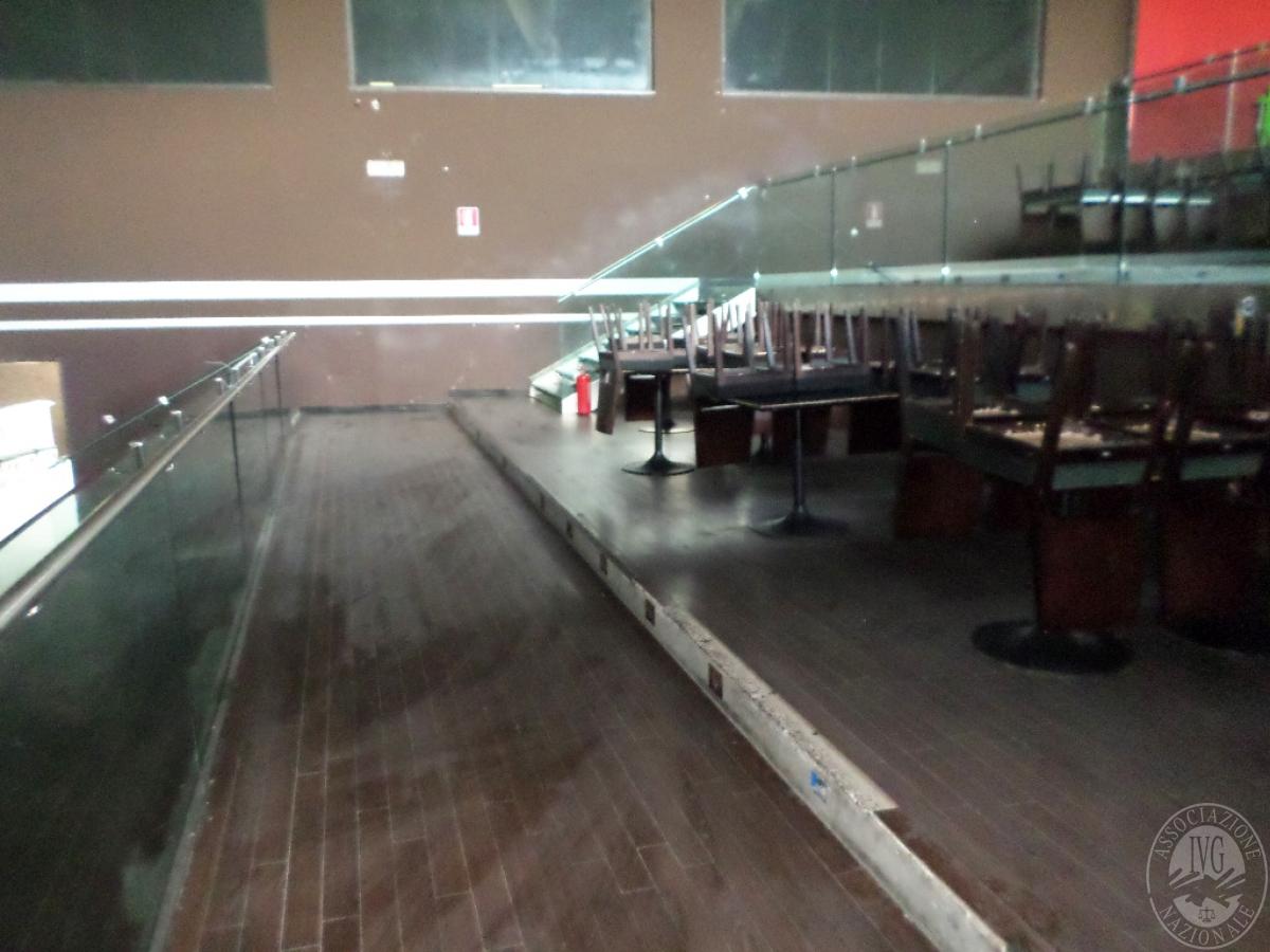 Sala spettacoli, negozio, ristorante a CASTELNUOVO BERARDENGA in loc. Casetta 23
