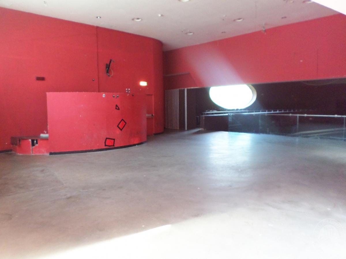 Sala spettacoli, negozio, ristorante a CASTELNUOVO BERARDENGA in loc. Casetta 27