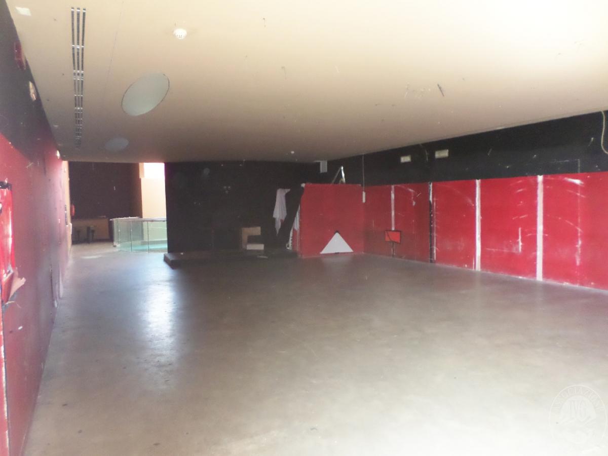 Sala spettacoli, negozio, ristorante a CASTELNUOVO BERARDENGA in loc. Casetta 28