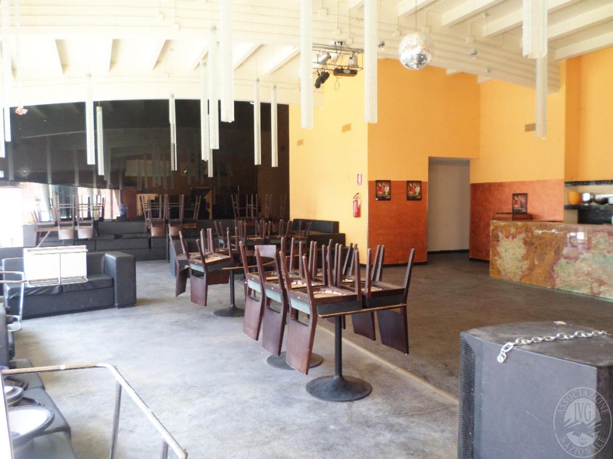 Sala spettacoli, negozio, ristorante a CASTELNUOVO BERARDENGA in loc. Casetta 29
